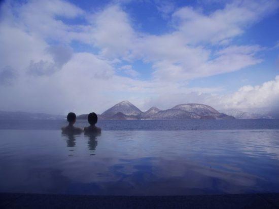 洞爺サンパレス リゾート&スパ 洞爺湖を一望する湖畔に立ち全室湖に面している