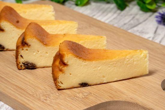 チーズケーキの種類(レアとベイクド)の違いを詳しく解説!