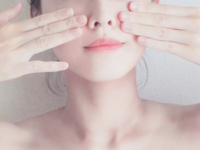 毛穴対策に効く美容液おすすめは?デパコス人気ランキング!ツルツル肌に♪