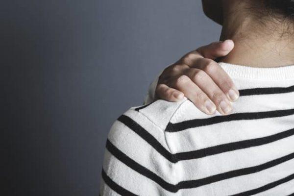 肩こりグッズのネックレスの効果!人気おすすめTOP8!首コリも改善